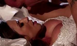 Milf cully gets jizzed beyond completeness Bristols chit bonking