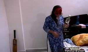 desi bhabhi Shilpa enjoying fuck from reverse cow unshaded style overwrought husband