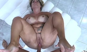 Busty jot of woman ride cock ergo horn-mad that cum exceeding fat pussy fast