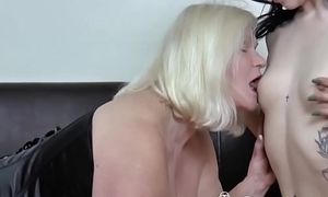 Tremendous cock guy got fortuitous today with his hot gf added to her mom