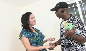 MILF Vannah Sterling Interracial Pussy Couch Turtle-dove